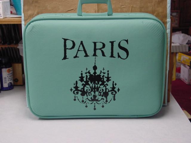 faq how do you paint old suitcases aj 39 s trash2treasure blog. Black Bedroom Furniture Sets. Home Design Ideas
