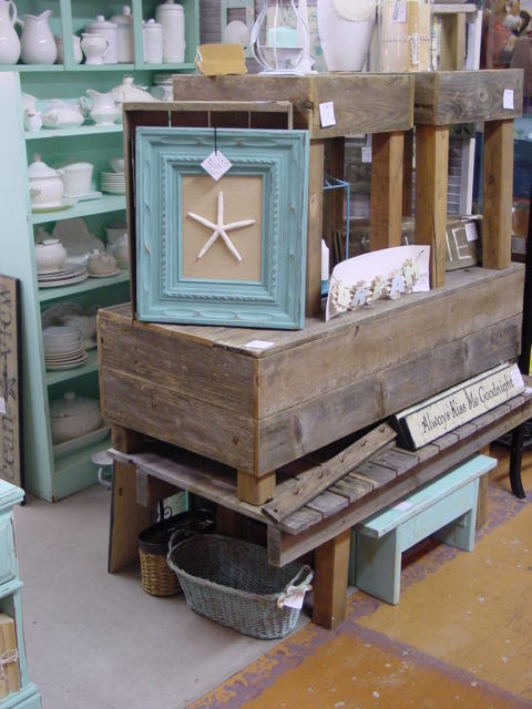 New In My Booth At Stars Rustic Weathered Wood Beach Furniture Aj 39 S Trash2treasure Blog