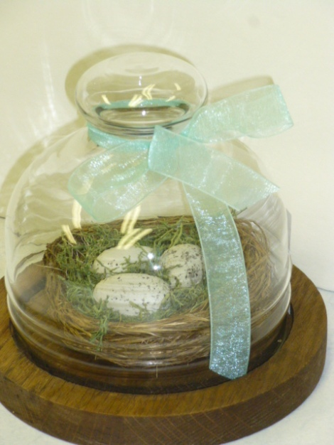 4.27.13 custom cloche moss wreath 002