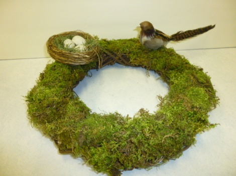 4.27.13 custom cloche moss wreath 005