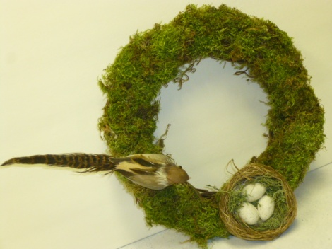 4.27.13 custom cloche moss wreath 006