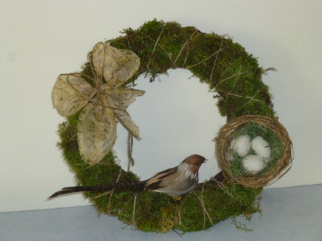 4.27.13 custom cloche moss wreath 011