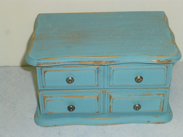 Updating an outdated vintage wood jewelry box AJs Trash2Treasure BLOG