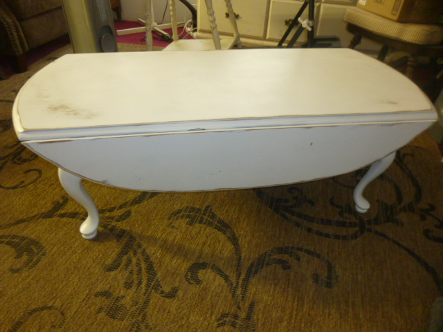 I LOVE drop leaf furniture!!! Compact when you need it to be and roomy when  you need the room. I painted this coffee table white and wasn't planning on  ... - Oval Drop Leaf Coffee Table AJ's Trash2Treasure BLOG